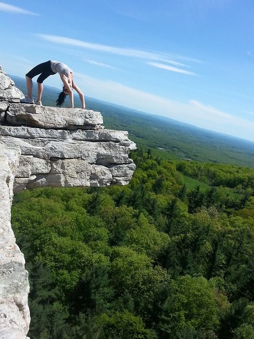 Monhonk Mountain House: Hiking At The Mohonk Mountain House In Upstate New York