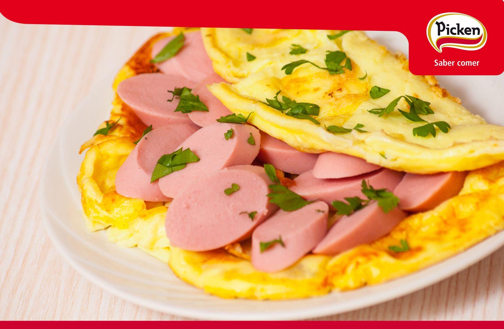 Tortilla francesa rellena de #SalchichasPicken. ¡Una manera original de presentar el plato para pequeños y mayores!