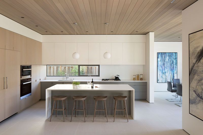 12 Inspirational Examples Of Letterbox Windows In Kitchens // The Small  Letterbox Window In This California Kitchen Brightens Up The Space, ...