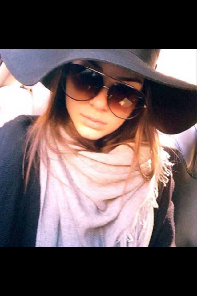 Hat and sunnies