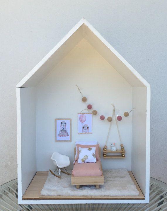 Artículos similares a Por Esther - Rocking chair de Eames en Etsy #dollhousefurniture