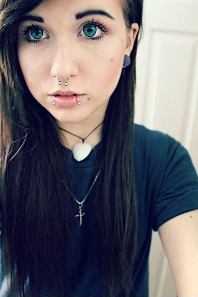 Teens piercing