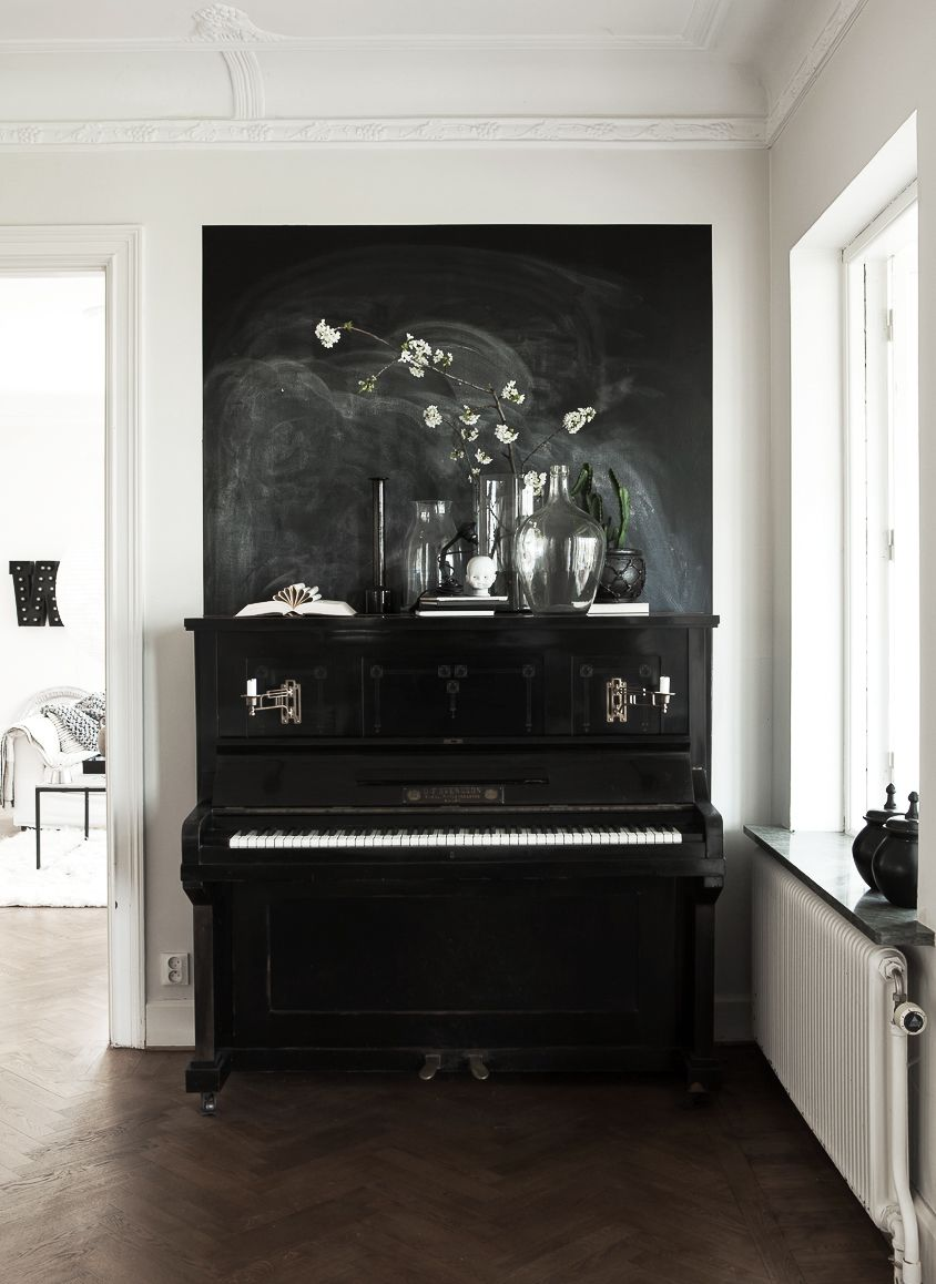 Arredare Con Pianoforte Verticale This Piano Belongs To Photographer And Stylist Daniella Witte