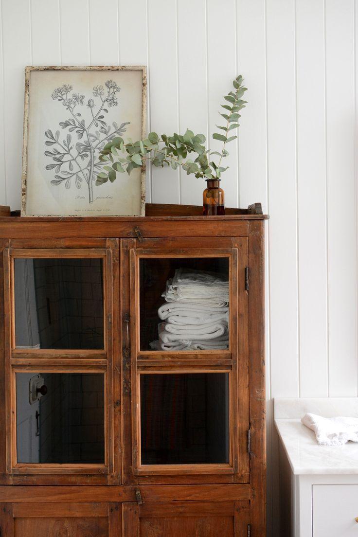 Photo of Vintage dresser