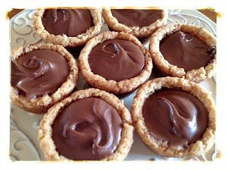 Inside out Peanut Butter Cup Cookies - recipe and video tutorial. YUMMY!