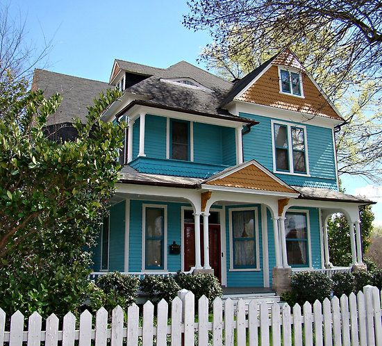 Best I Like The Turquoise Siding House Teal House Victorian 400 x 300