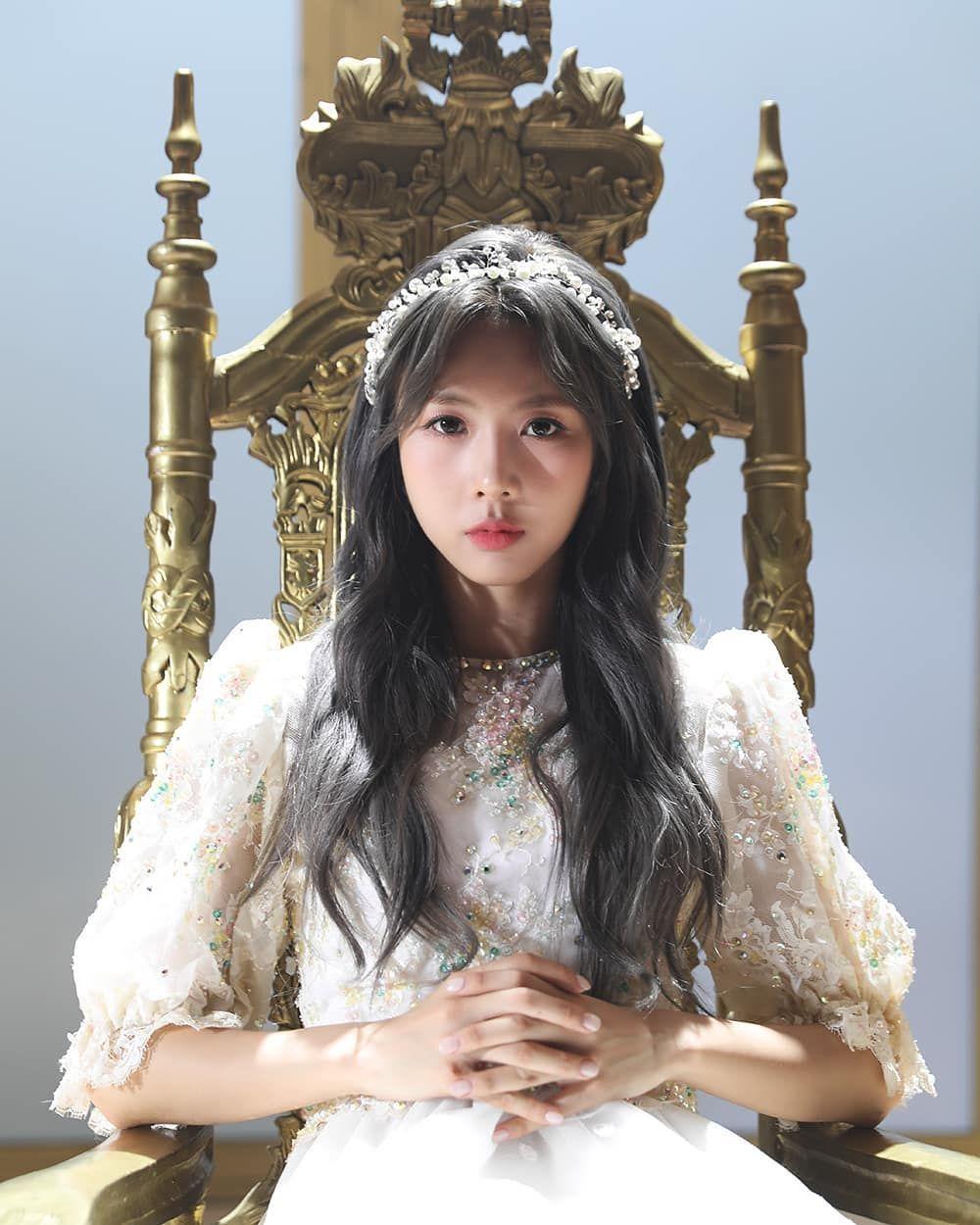 드림캐쳐 Dreamcatcher On Instagram 드림캐쳐 Dreamcatcher Raid Of Dream Behind 유현 Yoohyeon Dream Catcher Kpop Girls Girl