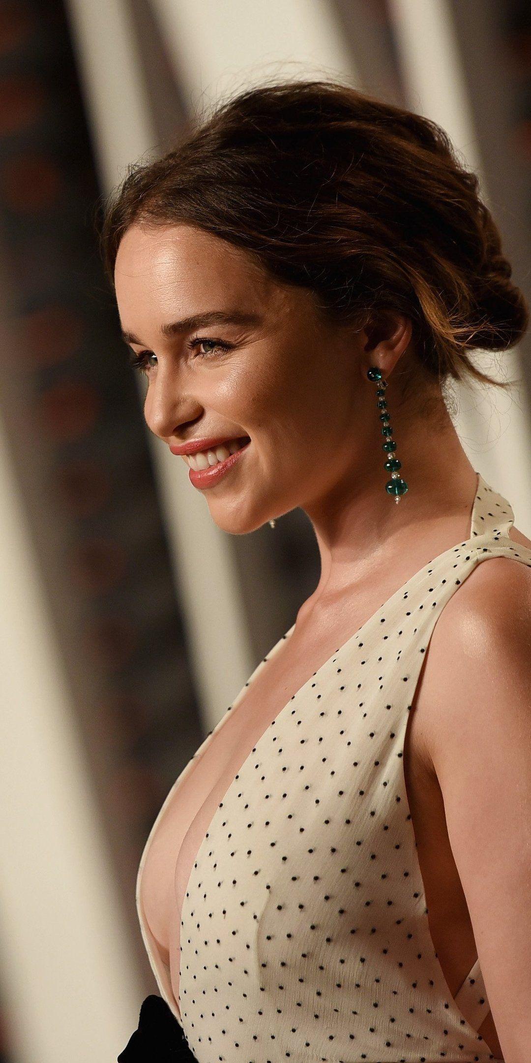 My Merch Emilia clarke, Emilia clarke hot, Celebrity