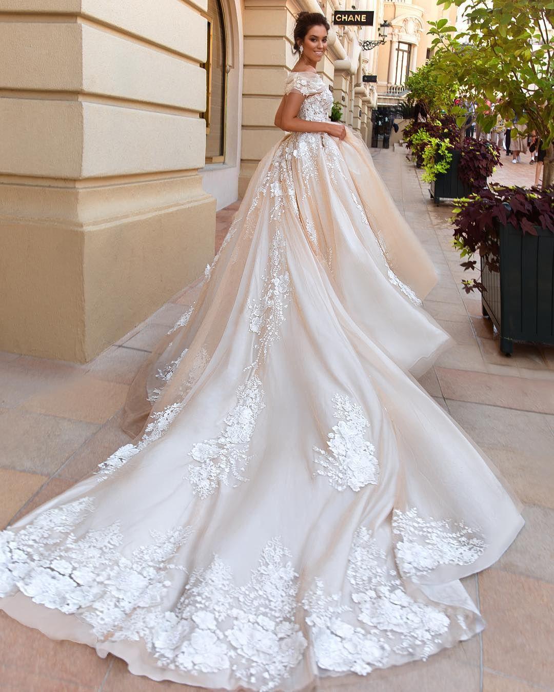 Pin von harmoni auf gelinlikler   Pinterest   Brautkleider und Kleider