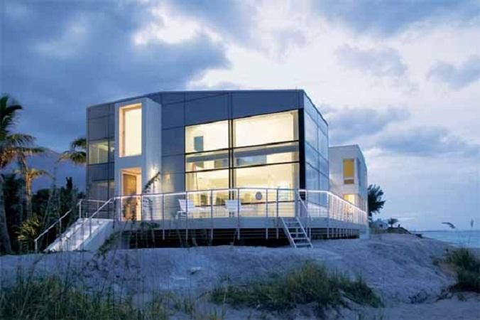 Modern beach homes modern beach house floor plans in for Small modern beach house