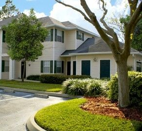 Hunters Crossing Apartments Built In Nw Gainesville This Cmc Community Offers 1 2 3 Bedroom Floor Plans Each Bedroom Floor Plans Apartment House Styles