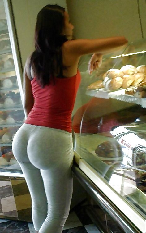 Candid latina ass in tight white jeans