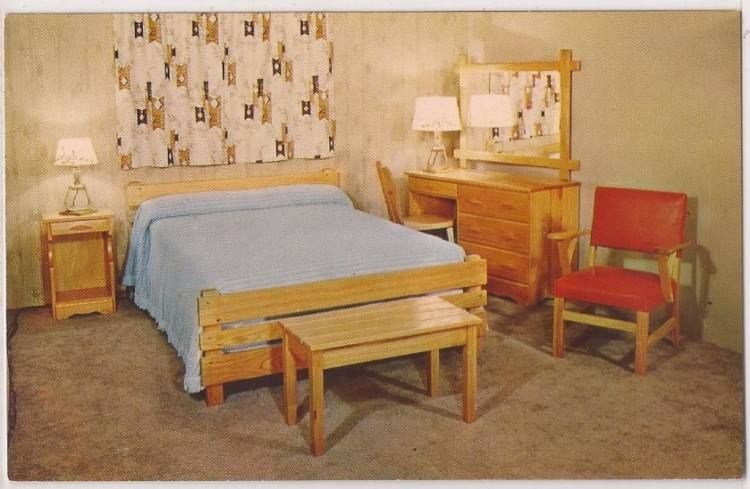 Knotty Pine Bedroom Decorating Ideas In 2020 Pine Bedroom Pine Bedroom Furniture Bedroom Furniture Sets