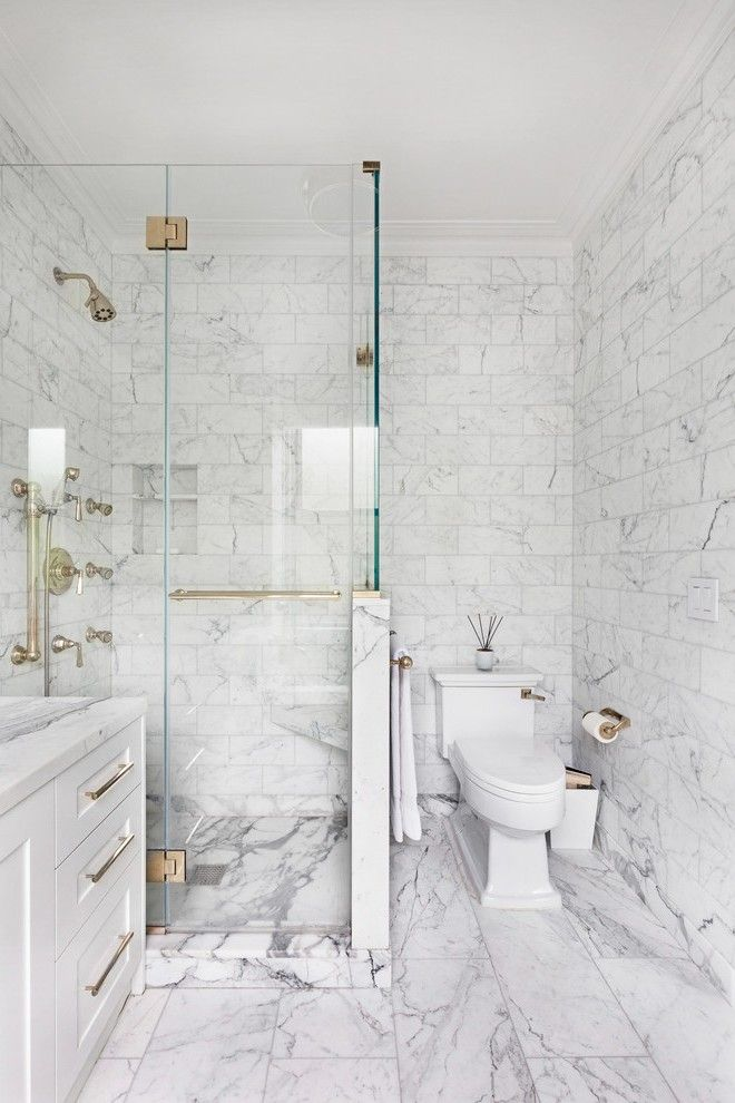 Splendid Carrara White Marble Tile With Mirror Medicine Cabinet Brown Floor White Marble Bathrooms Carrera Marble Bathroom Small Bathroom Remodel