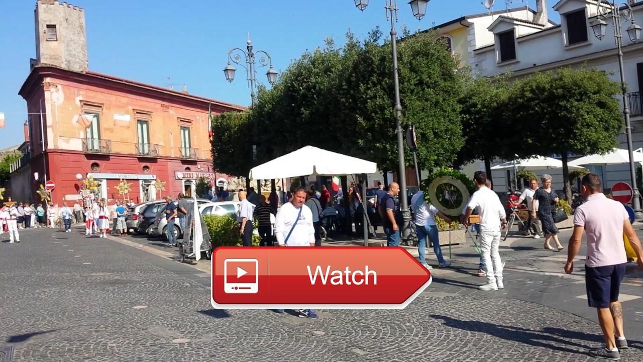 MADONNA DELL'ARCO 17 PORTICO DI CASERTA VIDEO 1  Pellegrini in partenza per il santuario della Madonna dell'Arco Ripresa da Corso Vittoria Piazza Rimembranza e Via