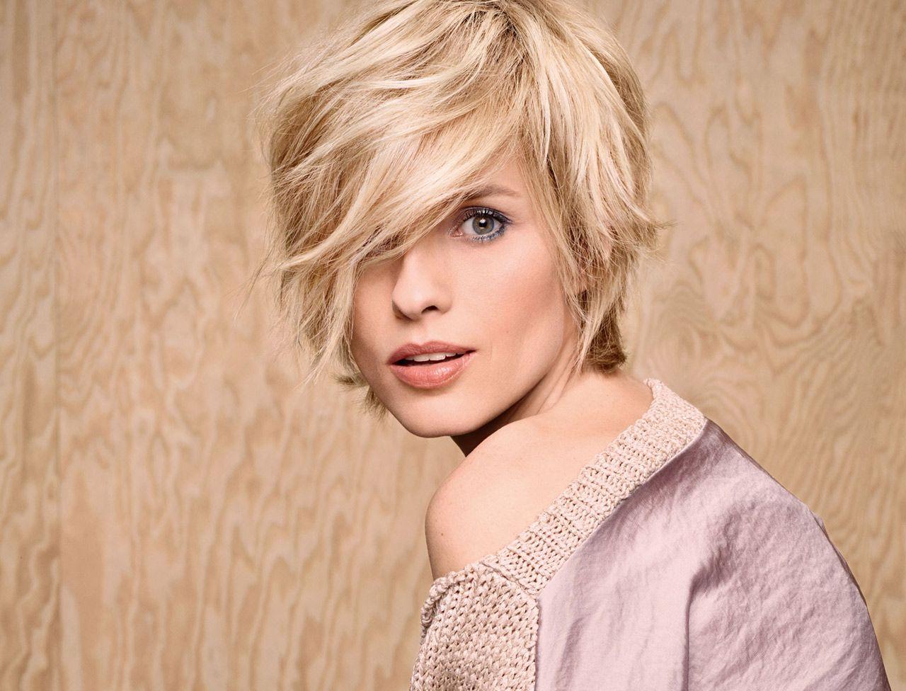 coiffure visage rectangulaire pixie haircut petite coupe short hair | Coiffures cheveux mi longs ...