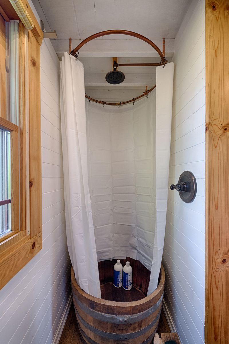 33 Small Shower Ideas for Tiny Homes and Teensy Bathrooms