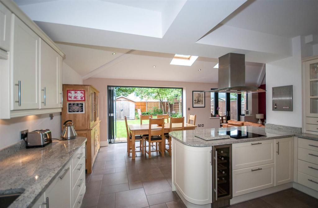3 bedroom semi-detached house for sale in Springfield Drive, Chester -  Rightmove.