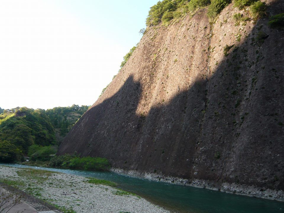 Made of one piece of big rock, Koza river