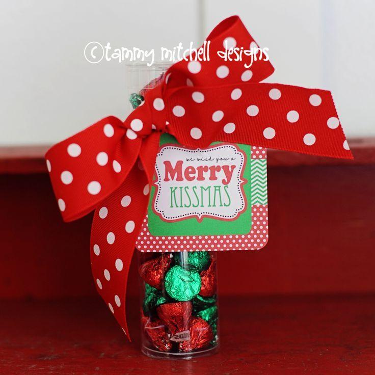 Free #Printable We Wish You a Merry Kissmas cute #DIY #Christmas
