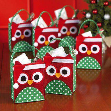 Christmas owl felt treat bags all things christmas - Manualidades con papel navidenas ...