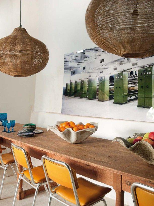 Une vieille ferme rénovée avec goût en Espagne Dining/ living