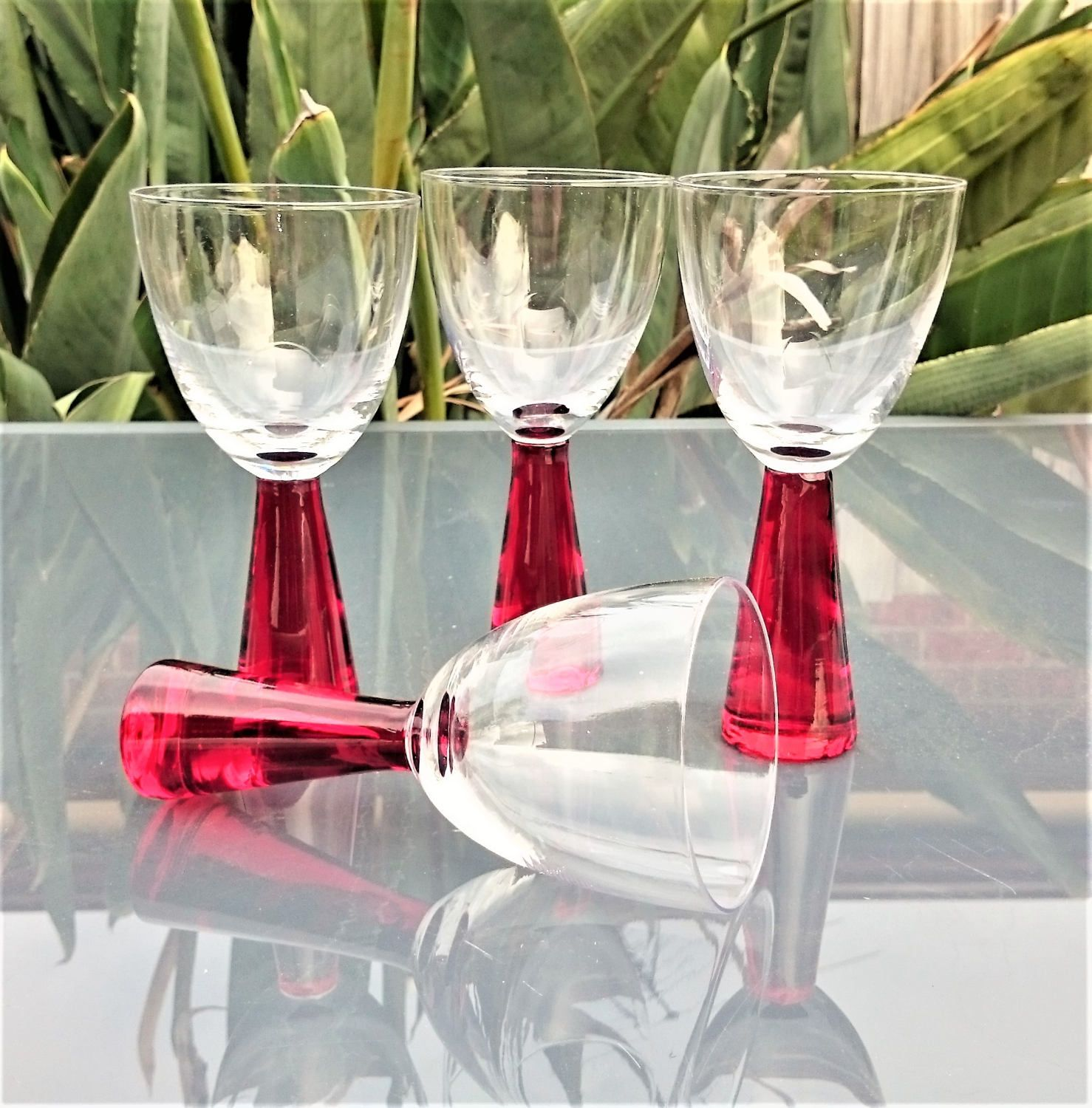 Vintage Red Thick Stem Wine Glasses Set Of 4 By Penelainbricandbrac On Etsy Wine Glasses Wine Etsy
