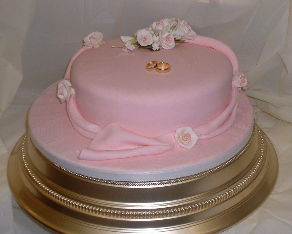 Single Layer Wedding Cake With Fresh Flowers | deweddingjpg.com