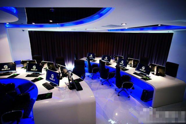 Internet Cafe Cyber Cafe Cyber Cafe Design Cyber Cafe Interior