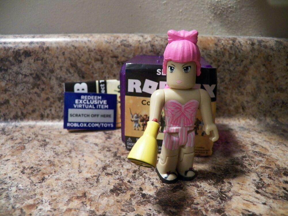 Amazon Com Roblox Gold Series 1 Celebrity Collection Serie 3 4 New Roblox Mystery Purple Celebrity Series 3 Roblox High Drama Teacher Code Jazwares Roblox Action Figures Drama Teacher
