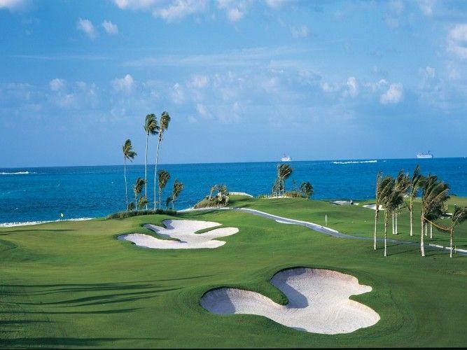 "Sie sehen das Urlaubsbild ""Ocean Club Golf Course auf Paradise Island, Bahamas"" http://www.abendsonne.net/fotografie/210/karibik/ocean-club-golf-course-auf-paradise-island-bahamas"
