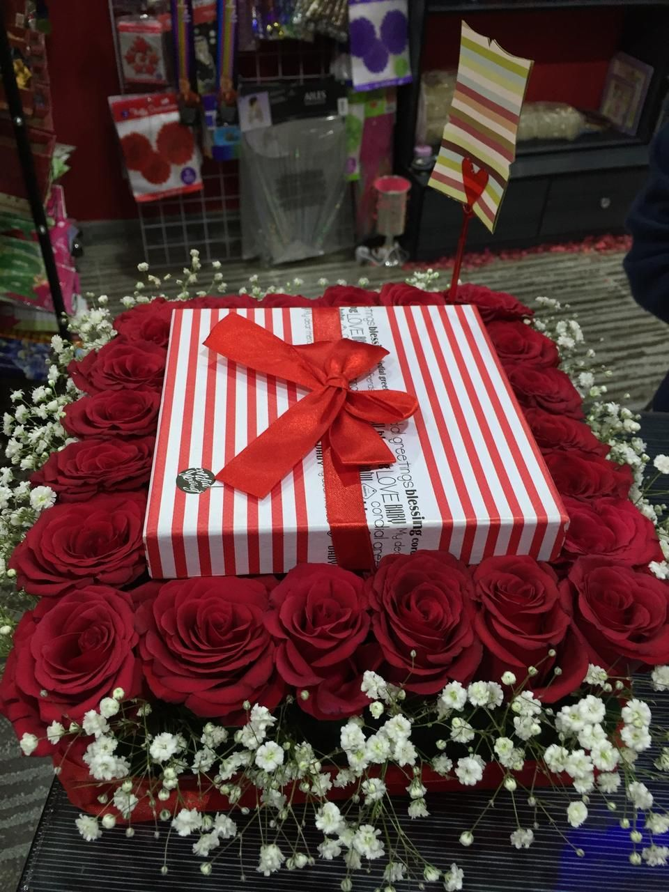 ورد الشوق Flower Shop Flower Shop Gift Wrapping Rose