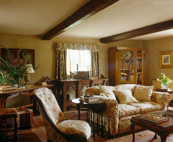 Cozy English And World Styled Sitting Room With: Floral Chintz Graces This English Cottage