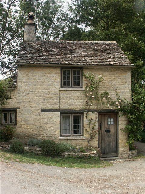 Ellergy Picturesque Medieval European Towns Villages Cottage Exterior Stone Cottage Cottage Interiors