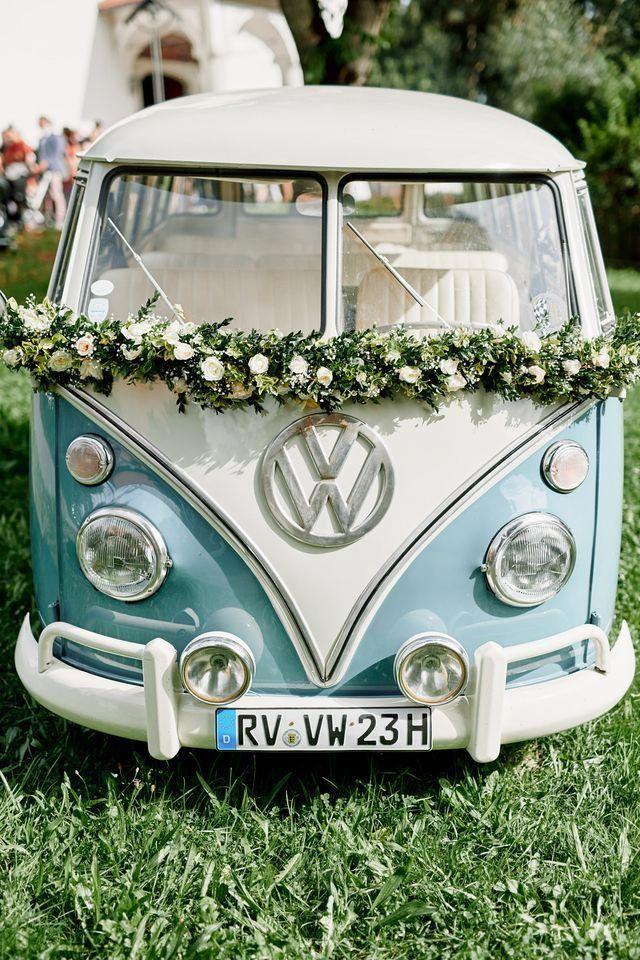 Originelle Landhaushochzeit mit VW Bulli  Hochzeit in