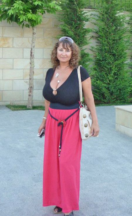 Real amateur nude mature moms