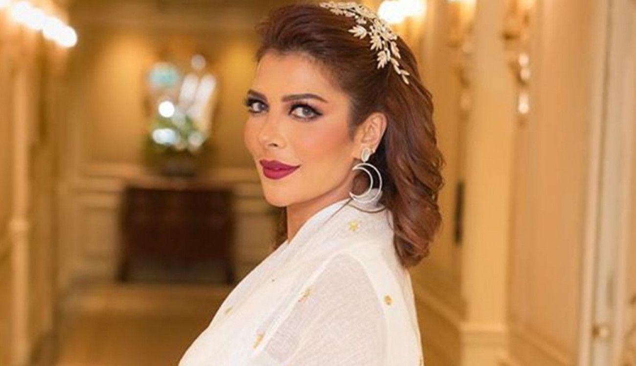أصالة ترقص حافية القدمين في أحد أروقة الفنادق وبرفقة إعلامي شهير فيديو Pearl Earrings Fashion Drop Earrings