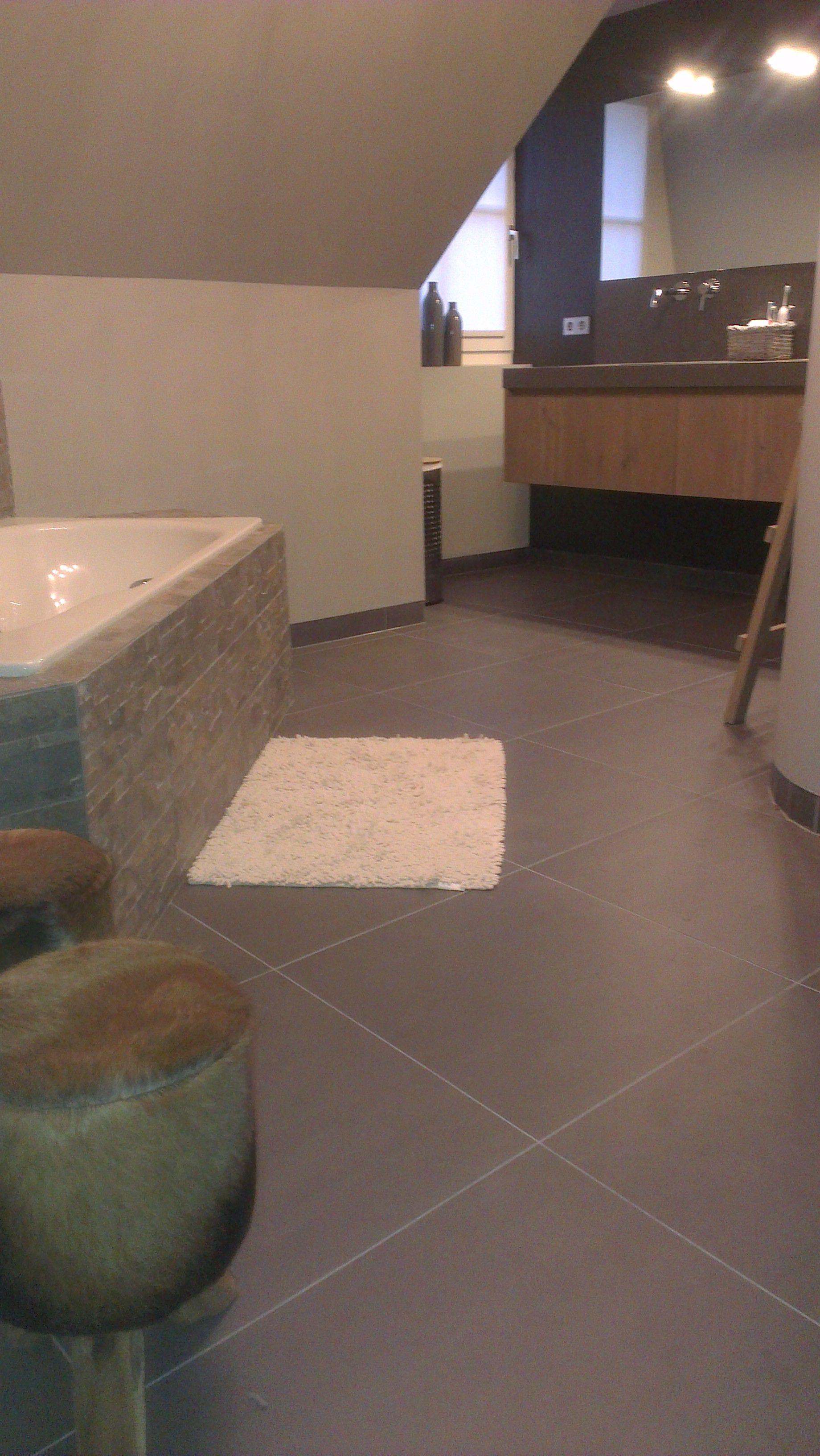 Badkamer te Rijssen, modern en robuust door massief eiken houten ...