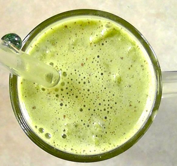 Matcha latte - packed with antioxidants, vitamins, minerals and more!