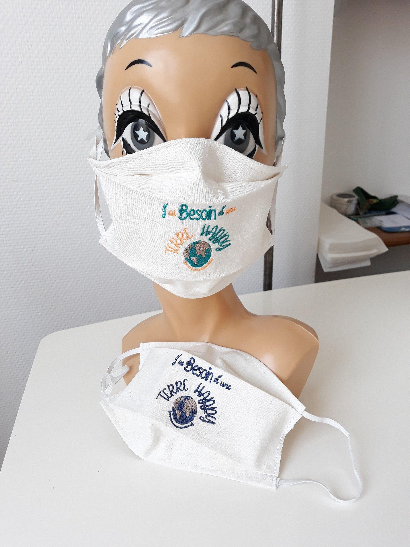 Masque lavable réutilisable en tissu coton/lin brodé