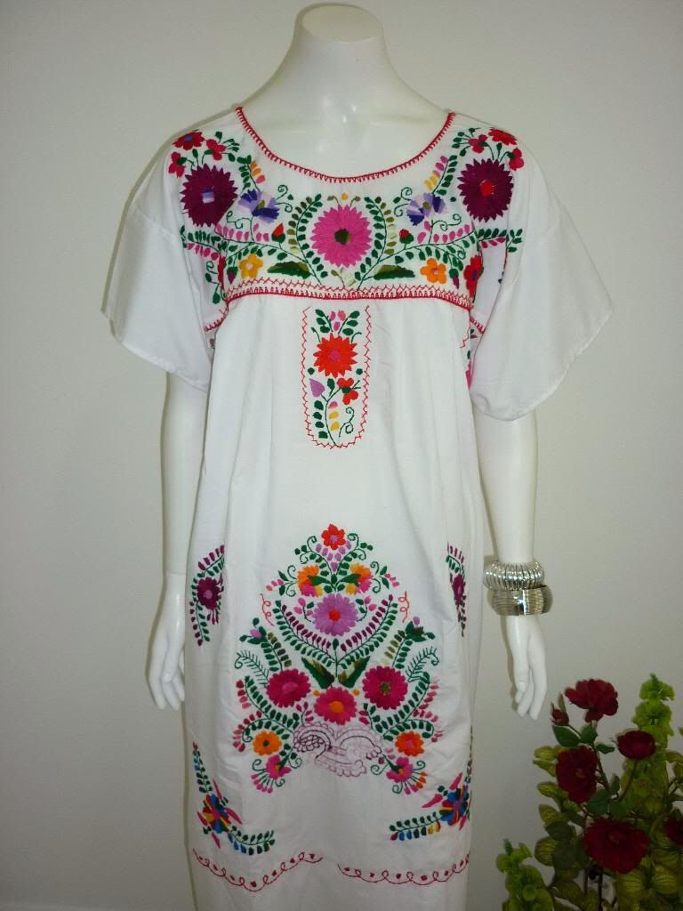 541b9efd8e7 White Puebla Mexican Dress Peasant Hand Embroidered Vintage Style Tunic  Small - Medium by CasaImaginaria on