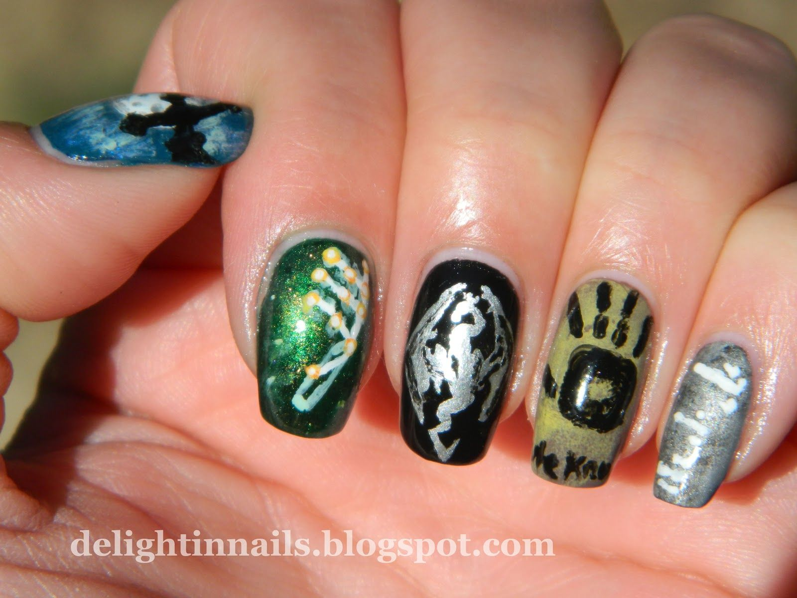 Delight in Nails: Geek Nail Challenge Day 3 - Games & Gaming ...