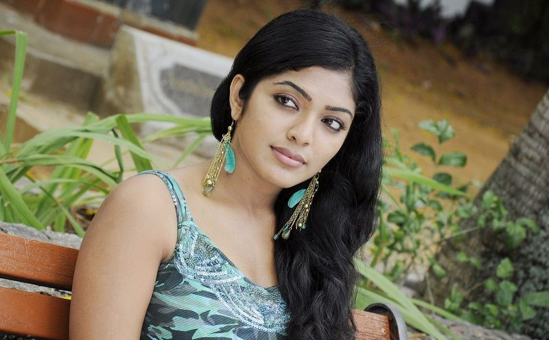 Bangladeshi girls photo pictures & new HD images. Bangladeshi girls photo pictures free download. Free stock of Bangladeshi girls HD photos, wallpapers.