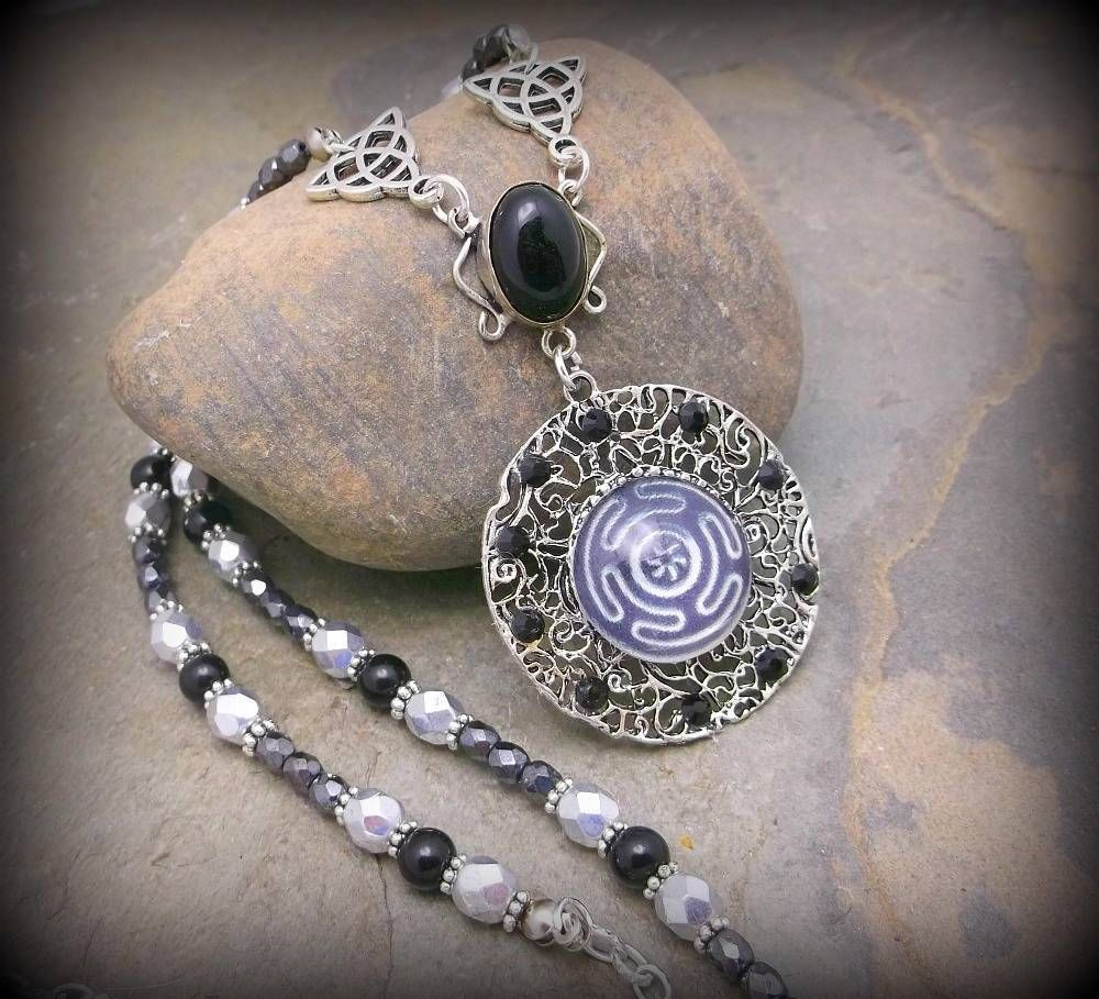 hecate galreadia necklace pendant