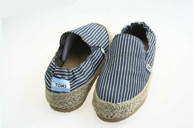 55a58fd2bd6 Stripes Flax Outsole Blue  mens  Canvas  Toms Shoes