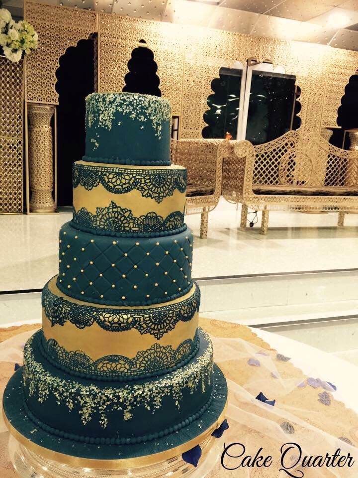 asian wedding cake in royal blue gold with edible lace and sequence grand wedding cakes. Black Bedroom Furniture Sets. Home Design Ideas