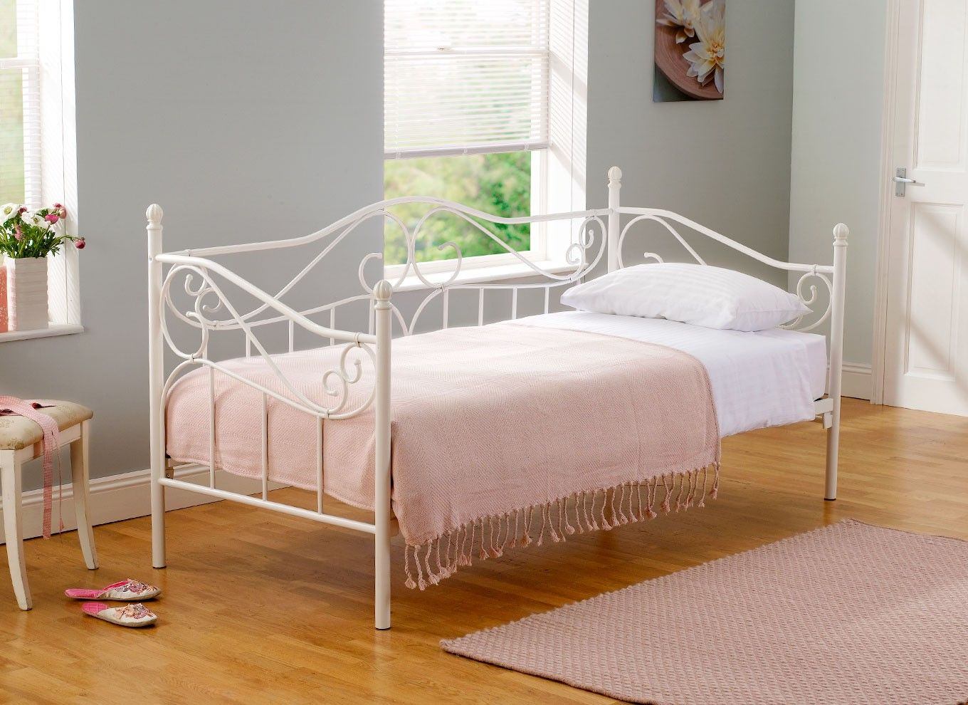 Amy White Metal Day Bed Daybed Daybed Bedding And Solid
