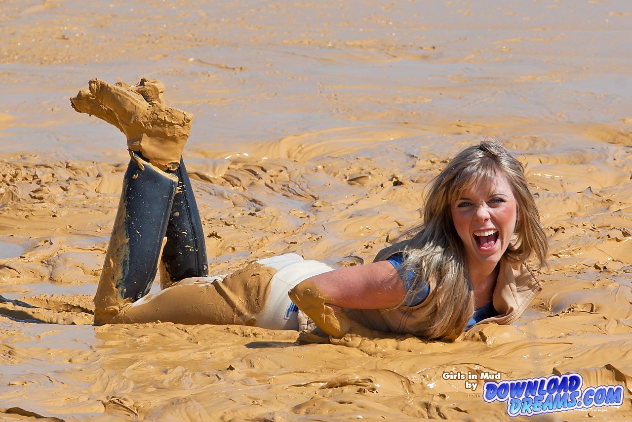 Girls in mud   Playing in Mud 2   Girls in mud   Mudding ...