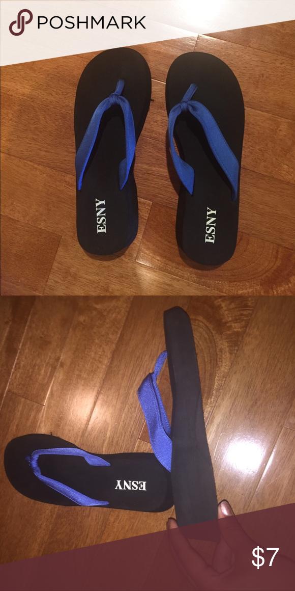 917224b9b ESNY Wedged Flip Flops Never worn
