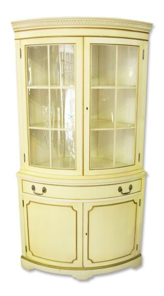 Merveilleux French Country Corner Cabinet With Curved Glass Front